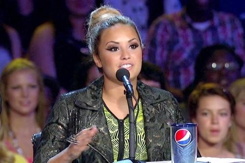 Demi+Lovato+Outerwear+Leather+Jacket+V0bMO31htPIl