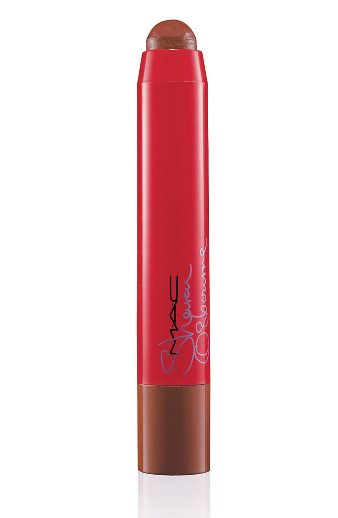 Sharon-Osbourne-Lip-Pencil-French-Kiss-22