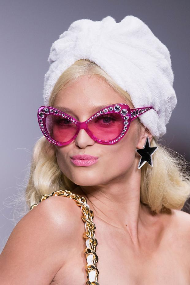 091914091914moschino-beauty-spring-summer-2015-mfw49