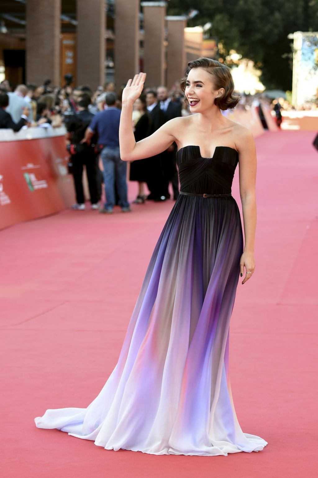 lily-collins-at-love-rosie-premiere-at-rome-film-festival_11