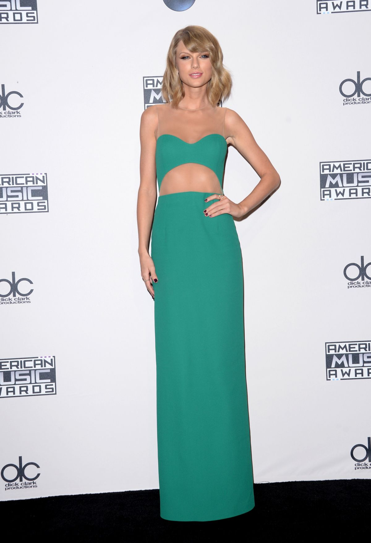 talor-swift-at-2014-american-music-awards-in-los-angeles_19