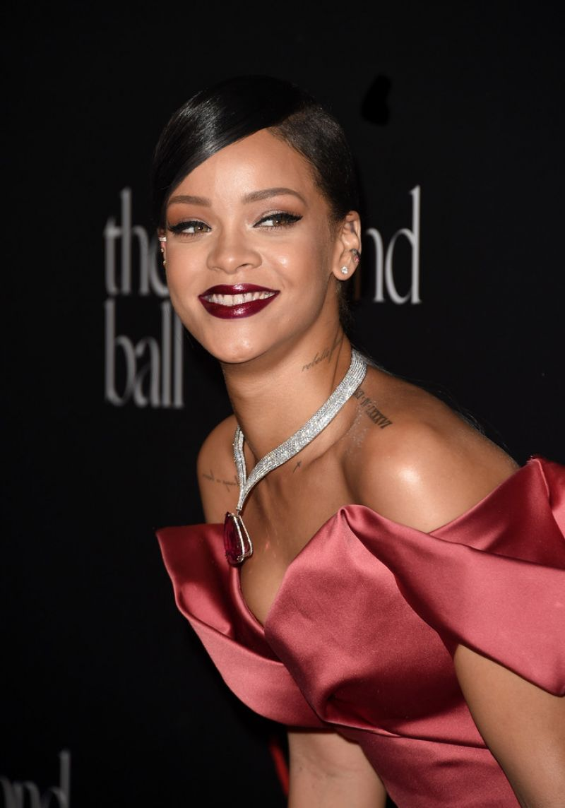 rihanna-at-1st-annual-diamond-bell-benefit-in-beverly-hills_3 (1)