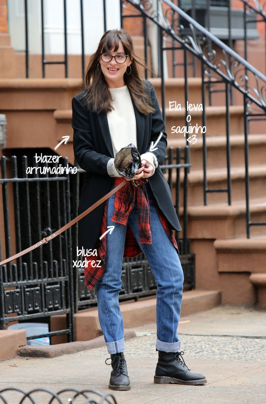 dakota-johnson-walking-her-dog-in-new-york-city-april-2015_1