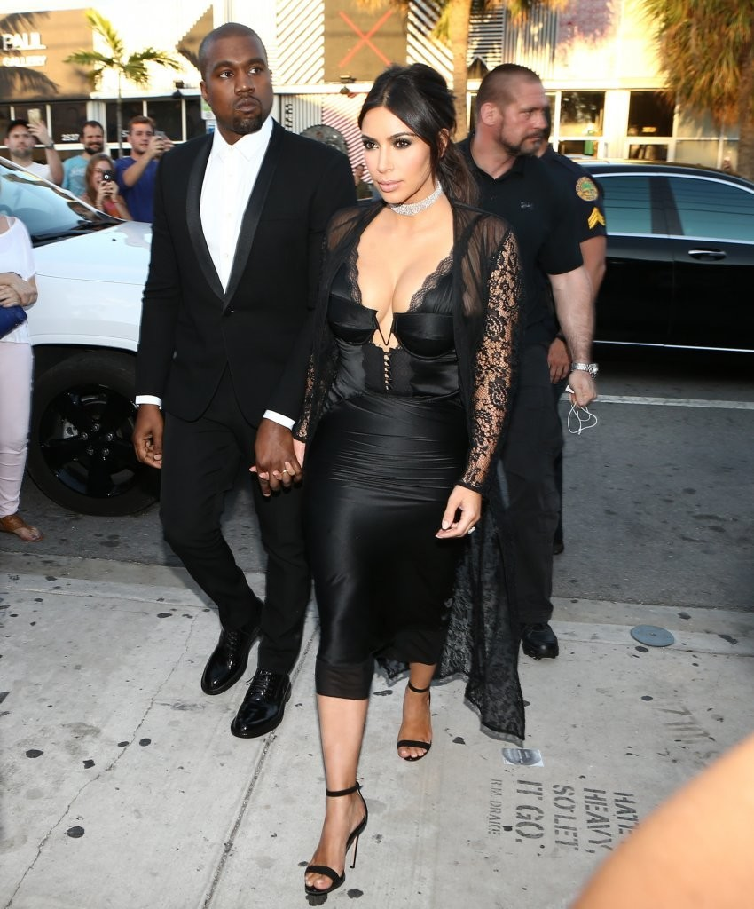 Kim+Kardashian+Celebrities+Attend+Isabela+fyrLnVdCDB5x