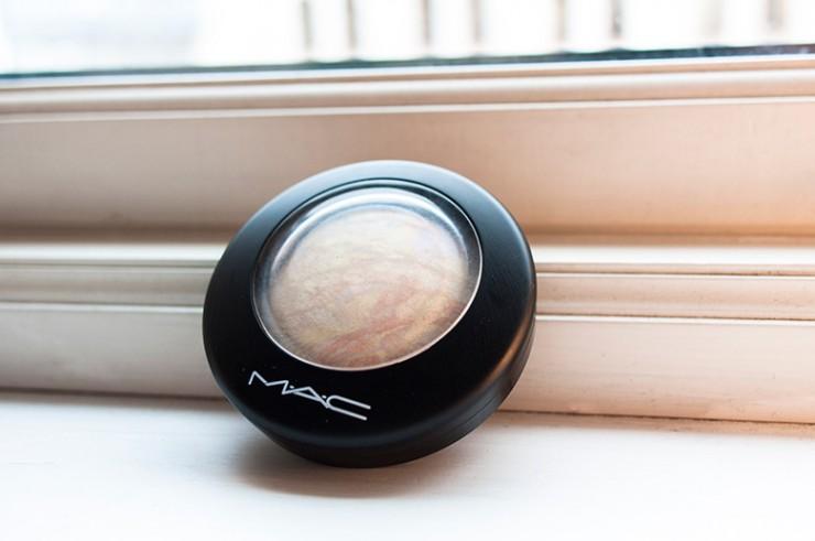 mac-mineralize-skinfinish-lightscapade-closed
