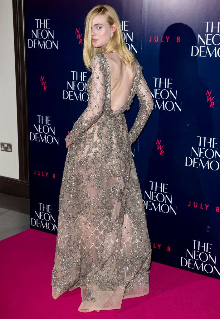 elle-fanning-the-neon-demon-premiere-in-london-uk-5-31-2016-5 (1)
