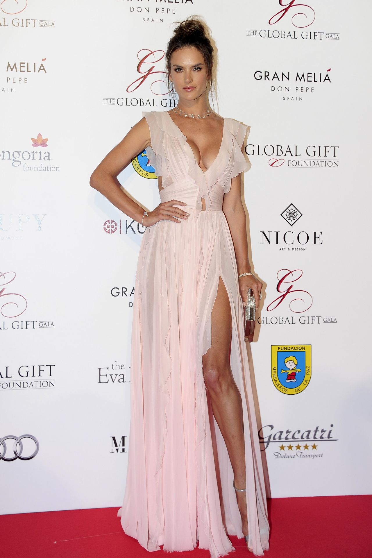 alessandra-ambrosio-global-gift-gala-in-marbella-spain-7-17-2016-3