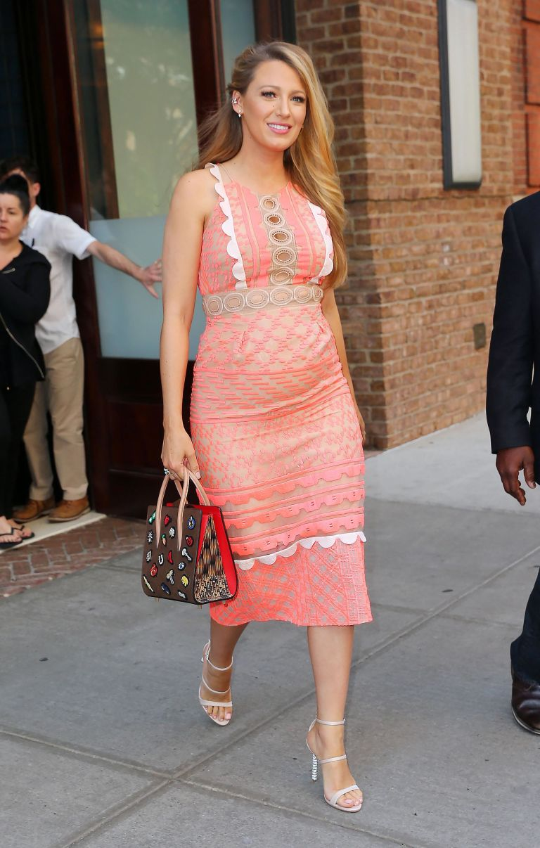 gallery-1468354121-blake-lively-pink-dress-5 (1)