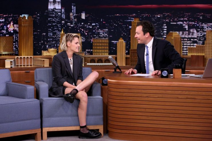 kristen-stewart-at-the-tonight-show-with-jimmy-fallon-in-nyc_5