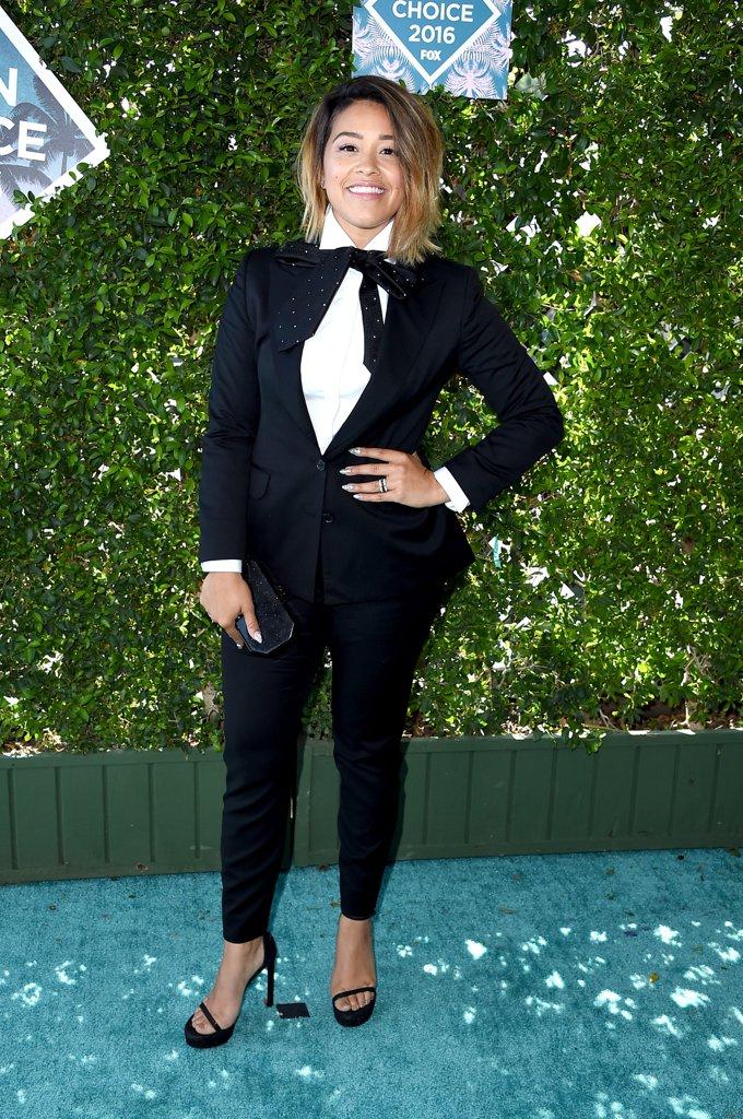 Gina-Rodriguez-Tuxedo-Teen-Choice-Awards-2016