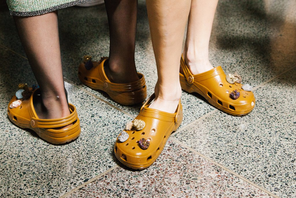 christopher-kane-shows-crocs-runway