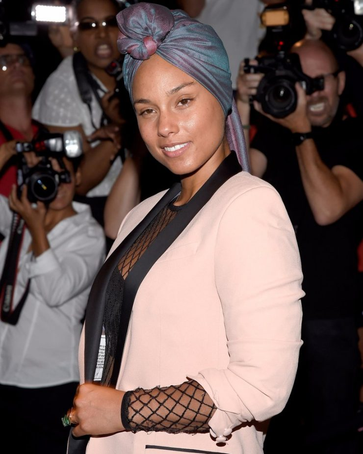 what-beauty-products-does-alicia-keys-use