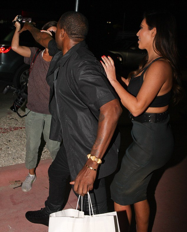 kanye-west-flew-into-a-fit-of-rage-when-a-camerawoman-outside-of-prime-112-eatery-asked-the-singer-if-he-congratulated-reggie-bush